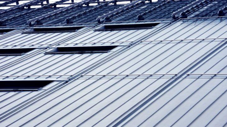 折半屋根の軒先・水止立ち上げとケラバ折り曲げのおすすめ工具【立ち上げくん・妻ぶき君】