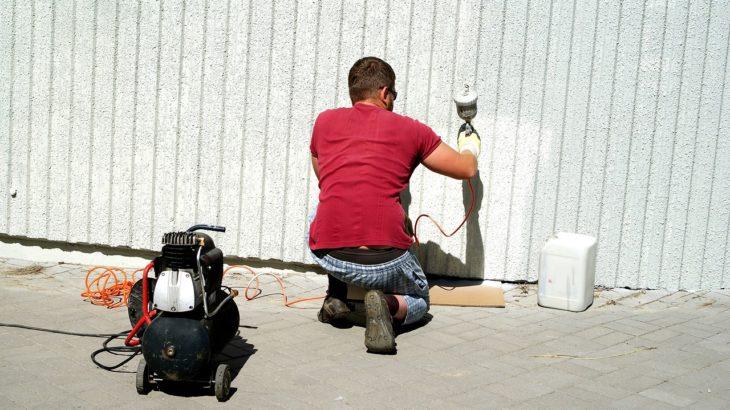 石(ストーン)調のDIYで簡単に施工できるおすすめの壁材