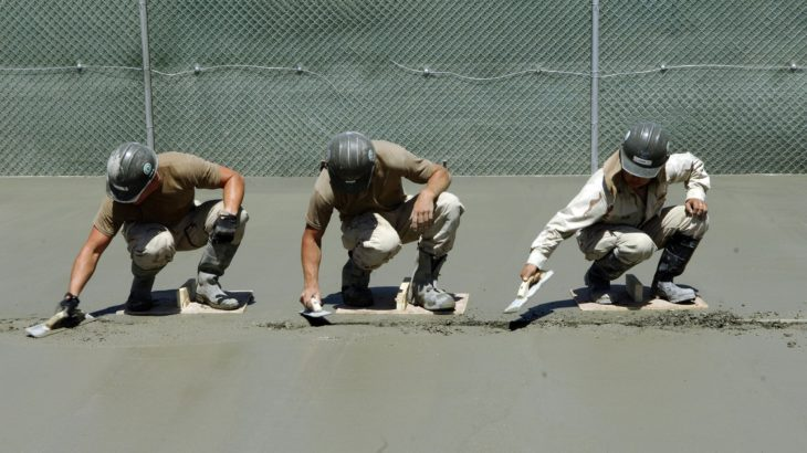 土間コンクリートのレベル出しとは?面倒な作業が簡単に!おすすめのレベルポインター